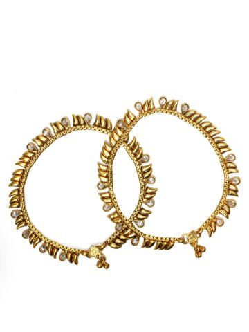 https://static4.cilory.com/113443-thickbox_default/nainika-fashion-anklets-carved-with-beads.jpg