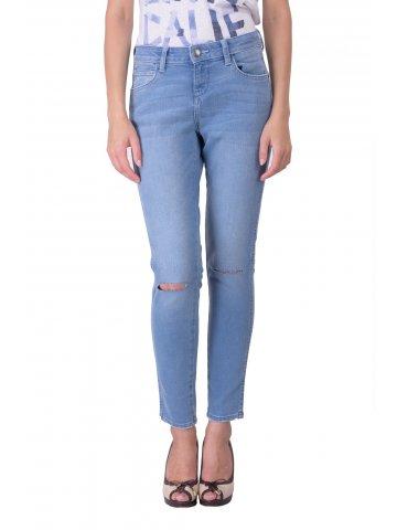 https://d38jde2cfwaolo.cloudfront.net/211184-thickbox_default/wrangler-coryn-blue-womens-jeans.jpg