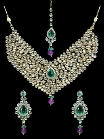 https://static7.cilory.com/313628-thickbox_default/ethnic-kundan-work-necklace-set-carved-with-stone-and-beads.jpg
