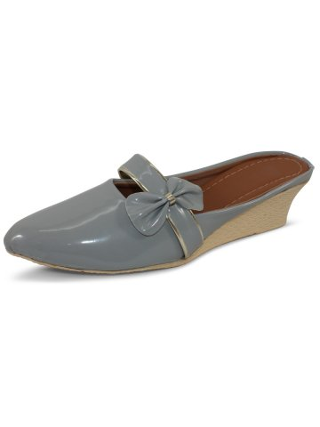 https://static7.cilory.com/398932-thickbox_default/estonished-grey-heeled-slip-ons.jpg