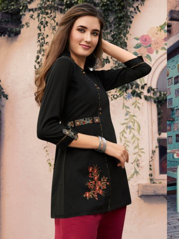 https://static2.cilory.com/404150-thickbox_default/black-embroidered-tunic.jpg