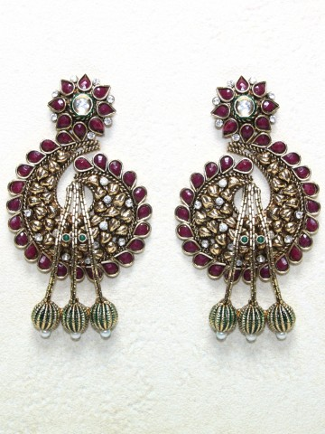 https://static8.cilory.com/43350-thickbox_default/ethnic-polki-work-earrings-carved-with-stone-and-beads.jpg