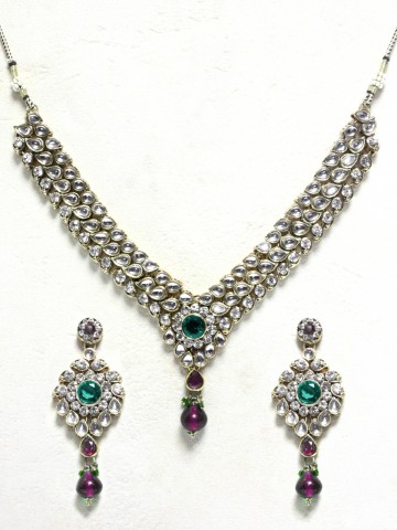 https://static.cilory.com/44063-thickbox_default/ethnic-kundan-work-necklace-set-carved-with-stone-and-beads.jpg
