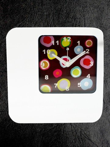 https://static8.cilory.com/73318-thickbox_default/archies-table-clock.jpg