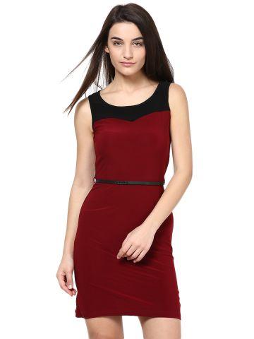https://static5.cilory.com/99450-thickbox_default/kaxiaa-maroon-formal-dress.jpg